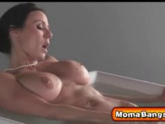 Kendra showed Giselle how to suck