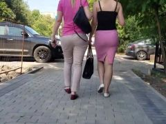 Two nice asses on my way