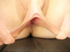 Elastic pussy lips spread wide