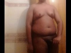 Chubby mallu boy bathing scene