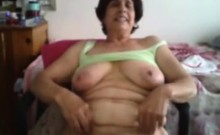 Busty granny Bianca nude on bedroom webcam