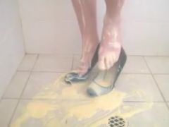 Heels custard and shower