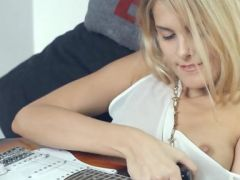 enchanting blonde and her guitar