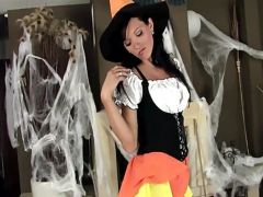 Horny witch fingering her self