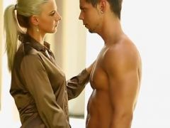 Ponytail Blonde Nubile Gets Fucked and Kissed at Outdoor