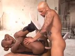 Two Hunks want to Fuck