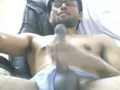 Jerking men caught on Internet HiddenCams
