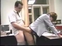 A quickie in the office !