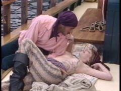 Shanna McCullough - Captain Hooker And Peter Porn(video)