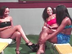 Flat Goddesses Pussy-finger And Pussy-lick At School