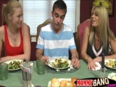 Horny stepmom Kristal Summers horny FFM action after dinner