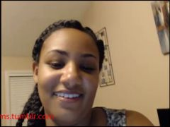 Thick mixed girl with braids shows Spre