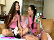 Teen lesbians licking pussy