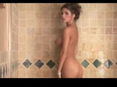 Gorgeous nude shower babe
