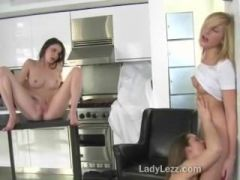 Lesbian threesome pussy licking