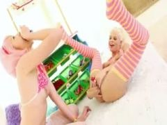 Candy in her both pleasing holes