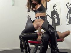 Extreme squirting and pissing in latex  HD