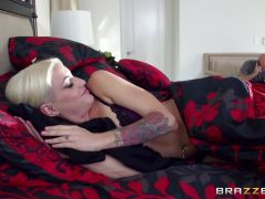 Cheating babe Kissa Sins catches a huge cumload