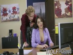 The office bitch Valentina Nappi becomes difficult