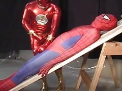 Daredevil sucks spiderman\'s cock