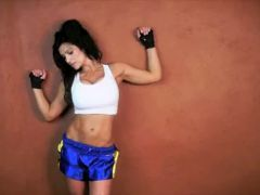 Denise Milani Sexy Boxing - non nude