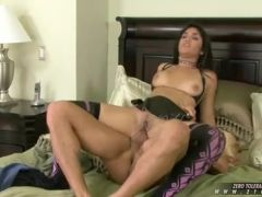 Exotic wench Leah jaye gets a hot spray of cum in her juicy mouth