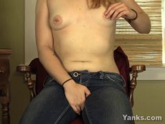 Slender Legal Age Teenager Gives herself an Intensive Agonorgasmos
