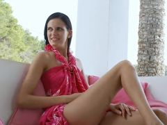 Erotic black haired gal Mia Fingering Her Trimmed grumble