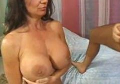Deauxma Big Boobs!